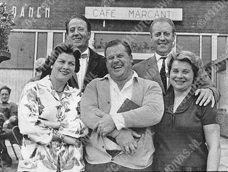 Aïda, Amsterdam Stadsschouwburg, 1960. vlnr. Gré Brouwenstijn, Theo Baylé, Hans Kaart, Arnold van Mill en Anny Delorie