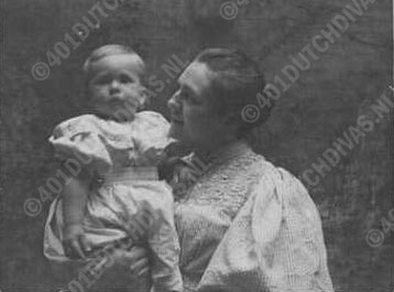 met zoon Hendrik Jan, 1895