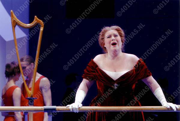 Als Elisabeth in Wagner's Tannhäuser, Staatstheater Kassel