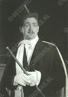 Jan Handerson als graaf Danilo